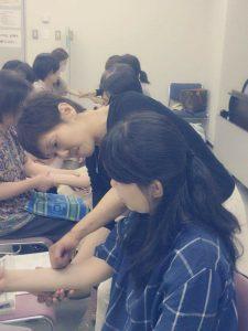 支える人のアロマテラピーとその手・社団法人日本アロマホスピタリティのご案内